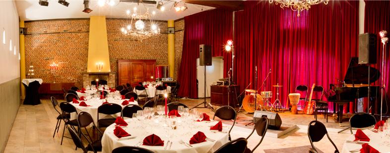 La grande salle   Le Rideau Rouge